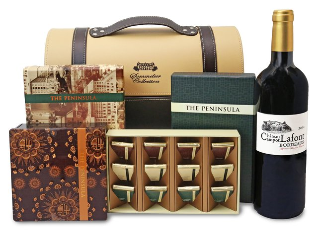 Wine n Food Hamper - Peninsula wine gift hamper - HR0301A5 Photo