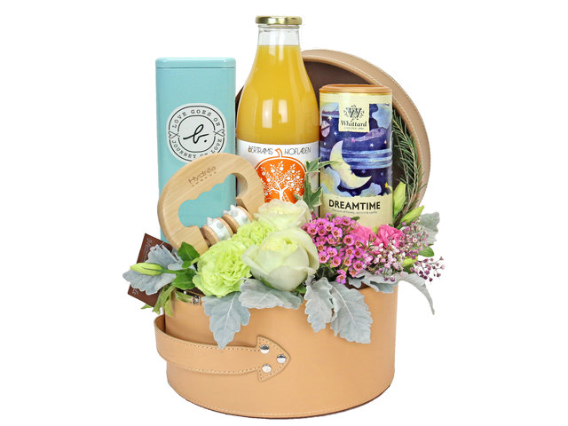 Wine n Food Hamper - Relax gift basket R8 - EB0501A3 Photo
