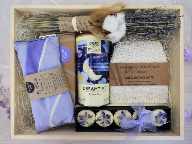 Wine n Food Hamper - Relax gift box R3 - RH0217A1 Photo