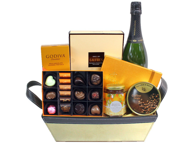 Wine n Food Hamper - Wine Food Gift Hamper C30 - L3106613 Photo