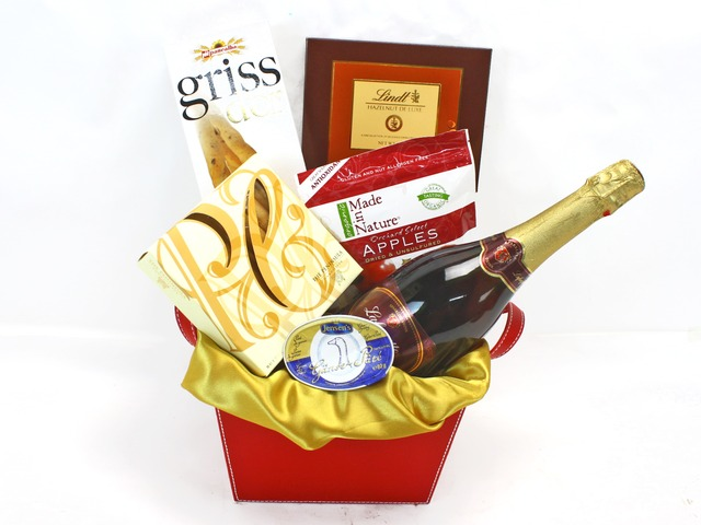 Wine n Food Hamper - Wine Food Hamper 1 - L32305 Photo