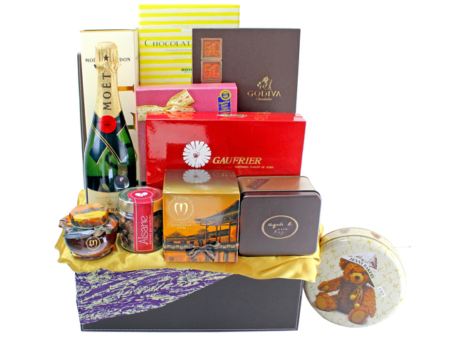 Wine n Food Hamper - Wine Food Hamper C18 - L134910 Photo