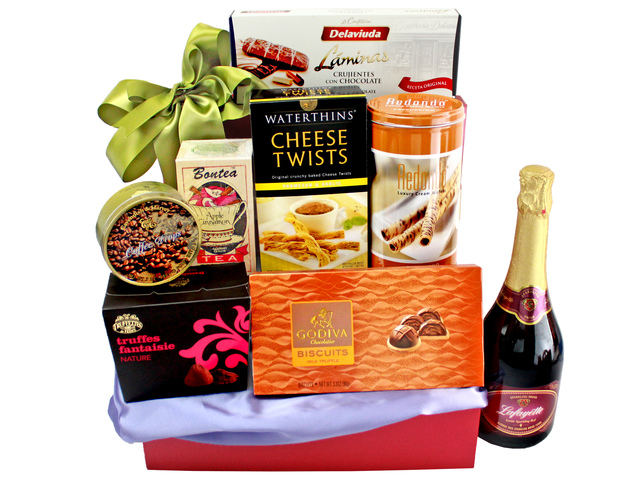 Wine n Food Hamper - Wine Food Hamper C27 - L135882 Photo