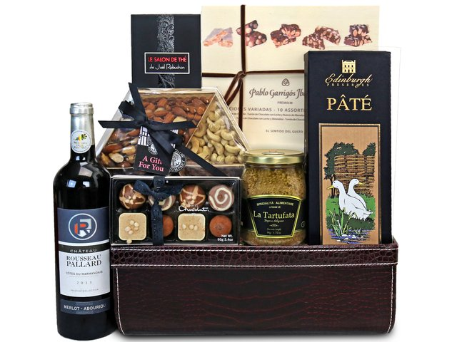 Wine n Food Hamper - Wine Food Hamper Y3 - HR0609A6 Photo