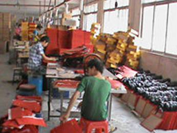 GGB Guangzhou Leather Hamper Factory production Area